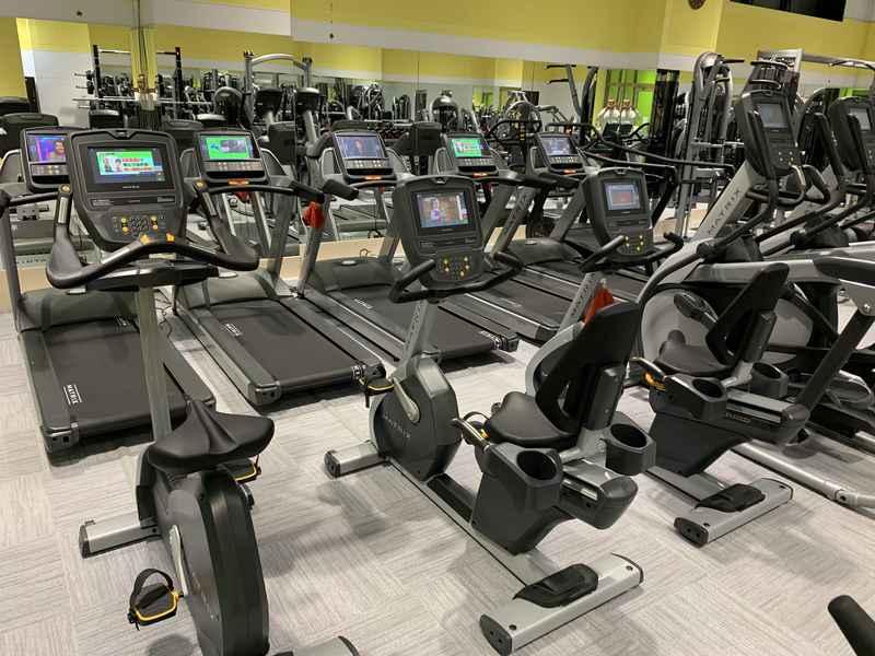 Machines Fitness Champion Gym